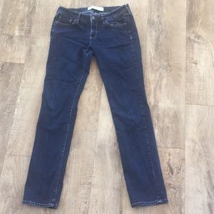 ABERCROMBIE & FITCH dark-washed skinny jeans